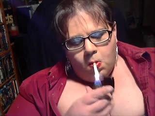 Fumée Fagot Wigless Exposée